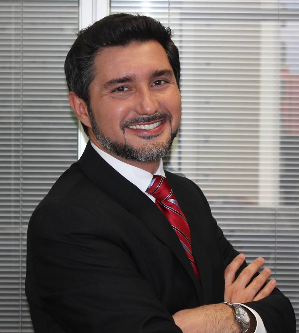 Douglas Alvarez, Diretor Comercial Enterprises